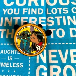 Disney's Best Friends Mystery Pin Lilo and Stitch